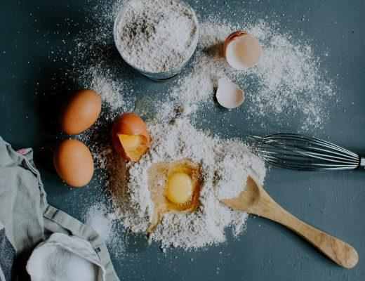 cake eieren suiker bloem roti kukus