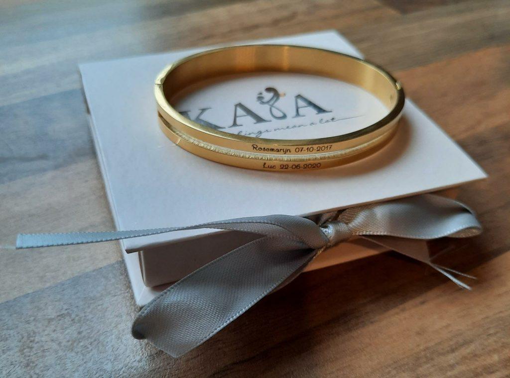 valentijnsdag valentijn 2021 cadeau eten bestellen afhalen sieraad armband goud pakkete mensen eenzaam covid corona