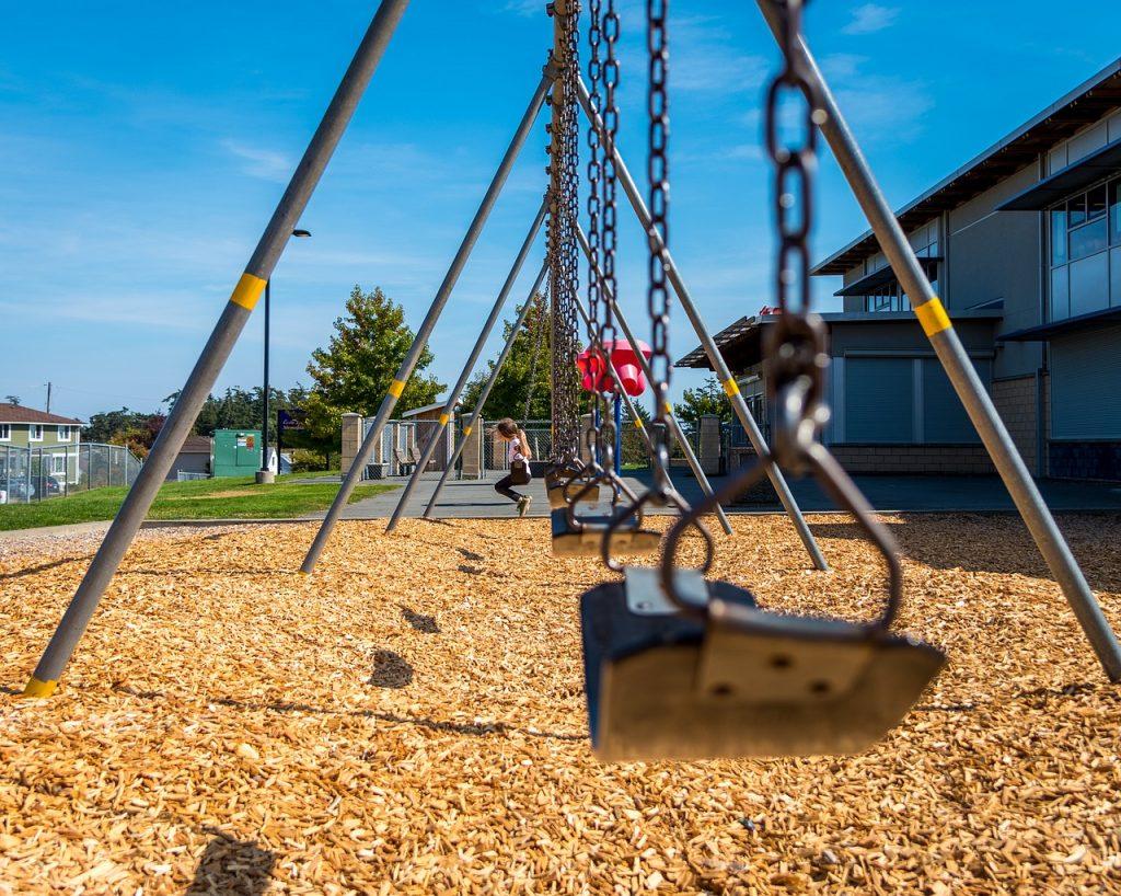 kirsten mamagisch gastblog samengesteld gezin scheding scheiden kinderen co-ouderschap nieuwe partner  school schoolplein