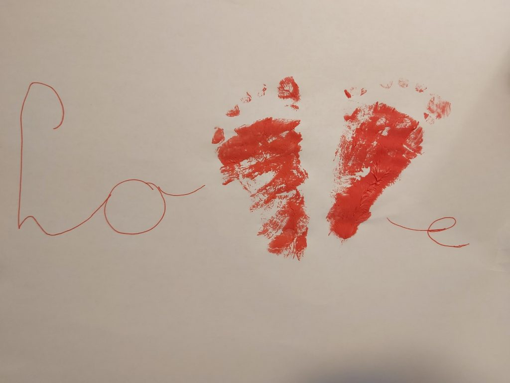 knutselen baby dreumes verven knutselwerkje knutsels creatief samen kunst verf water gips