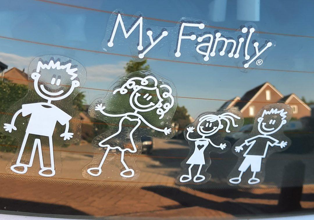 stickers familiestickers naambord auto gezin kind vader moeder jongen meisje hond kat