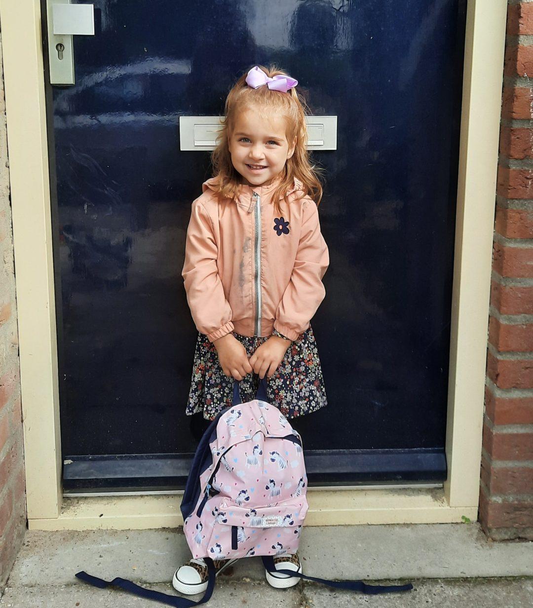 de eerste keer school kinderdagverblijf nieuwe baan werkdag blog dochter zoon kleuter dreumes mama